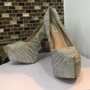 Steve Madden silver heels!